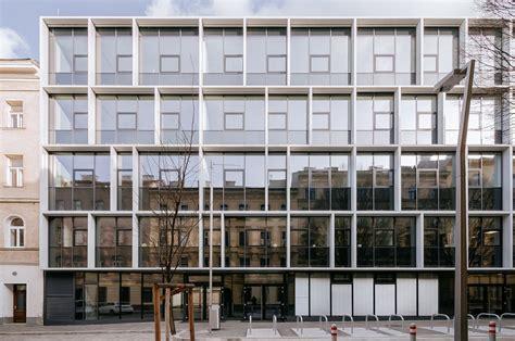 Transparente Solarpaneele Fuer Glasfassaden by Vocational School Embelgasse Alleswirdgut Architektur