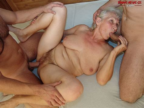 kinky grandma doing two dudes at the same time