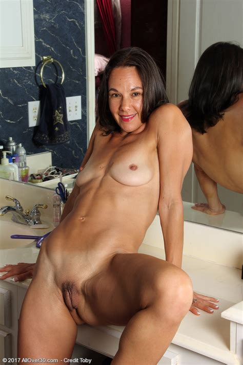 Mature Pictures Featuring Year Old Mindy Johansen From