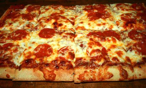 thick crust pizza upper crust pizza pasta 122 photos pizza 2415 mission st santa cruz ca reviews