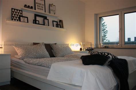 schlafzimmer grau streichen grey crown blick ins schlafzimmer