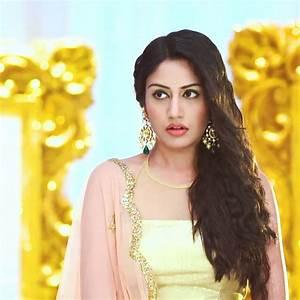 Surbhi Chandna Beautiful HD Wallpaper