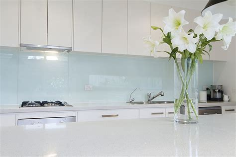 best tiles for kitchen splashback glass or tile 15 tips for choosing the right splashback 7797