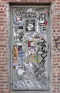 doormetalgraffiti0038 free background texture
