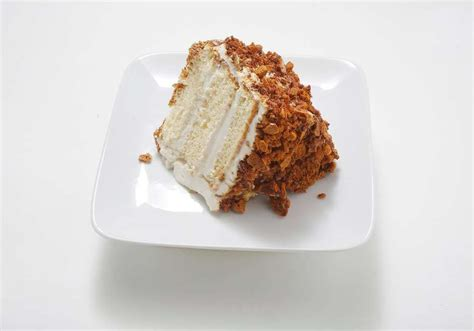 The unforgettable part of the dessert is the homemade coffee candy that coats the exterior. Recipe: Blum's Coffee Crunch Cake | Crunch cake, Homemade cupcake recipes, Gourmet cupcake recipes