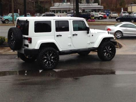 white jeep sahara lifted 1c4bjwegxdl567206 lifted jeep wrangler unlimited sahara