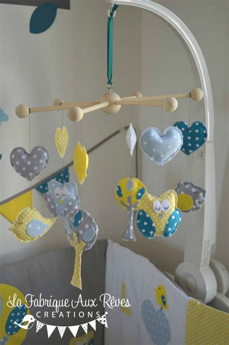 chambre bébé bleu canard décoration chambre bébé chouette hibou arbre oiseau