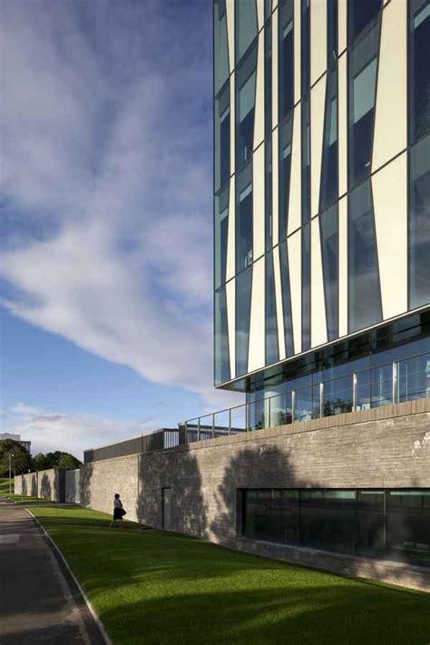aberdeen university library building  architect