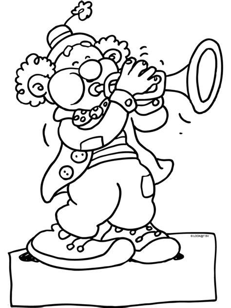 Kleurplaat Clowsgezicht by Kleurplaat Clown Met Een Trompet Kleurplaten Nl