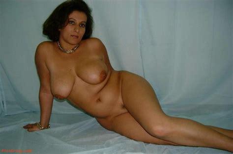 Desi Bbw Women Naked In Panty Aunty Ki Moti Gaand Aur
