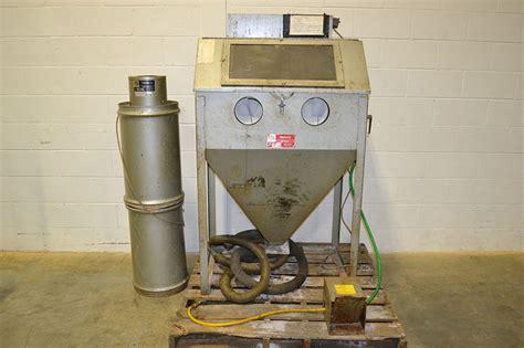 trinco 36 bp2 36 quot x 24 quot x 23 quot blast cabinet w dust collector the equipment hub