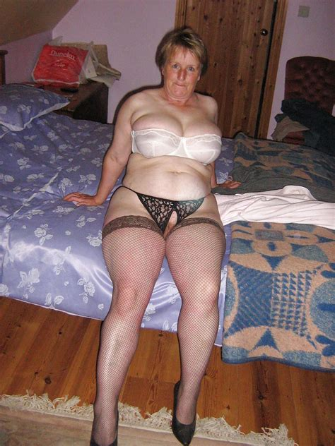 Mature Amateurs In Stockings Granny Girdles