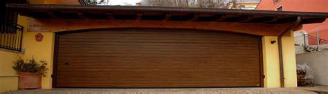 offerte portoni sezionali porte sezionali finitura goffrato legno portoni