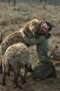 The Wild Hug : best 25 animal hugs ideas on pinterest cute hug cute valentines day gifts and nature poems ~ Eleganceandgraceweddings.com Haus und Dekorationen