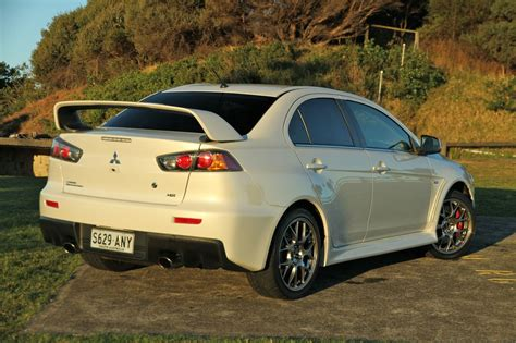 gen mitsubishi lancer evolution ralliart  hold