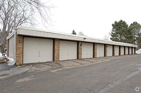 roseville apartments with garages south oaks apartments rentals roseville mn apartments