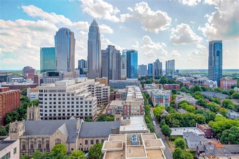 skyhouse uptown apartments charlotte nc