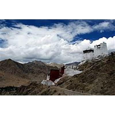 Namgyal Tsemo Monastery - Wikipedia