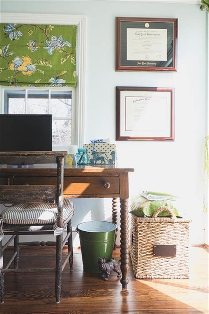 Work In Coziness: 20 Farmhouse Home Office Décor Ideas
