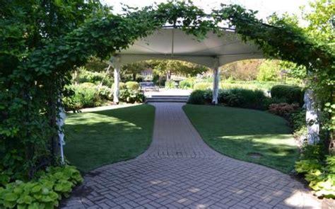 Weddings In The Wilder Park Formal Garden  Elmhurst Park
