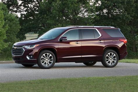 chevrolet traverse pictures   edmunds