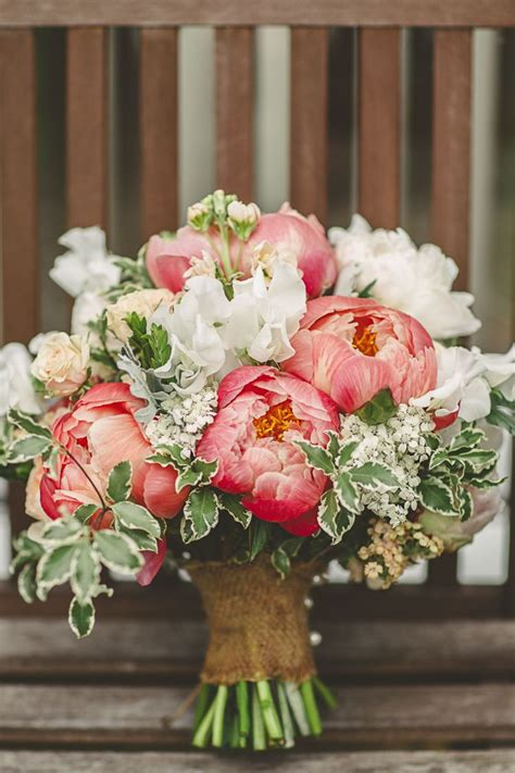 bouquet bride bridal flowers peonies summer relaxed rustic