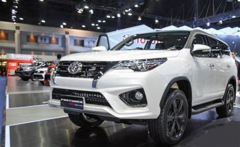 toyota fortuner  interior cars studios cars