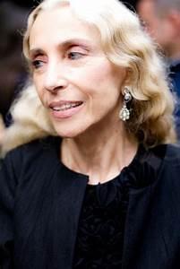italian 'vogue' editor franca sozzani has passed away ...
