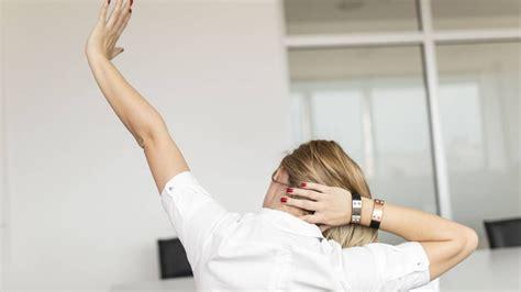 exercices au bureau 7 exercices à faire au bureau pour garder la forme