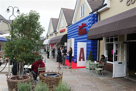 Bicester Village -Discounts on International Designers