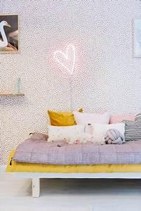 Neon Deco Chambre : neon lampen in de kinderkamer wooninspiratie ~ Teatrodelosmanantiales.com Idées de Décoration