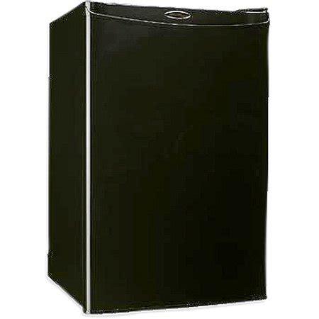 danby designer mini fridge danby designer compact refrigerator walmart