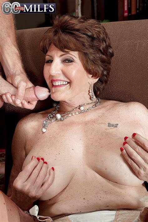 Naughty Grandma Bea Cummins Giving Oral Sex After Seducing