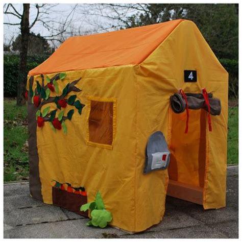 maison en bois orn 233 e de tissus tiny la souris