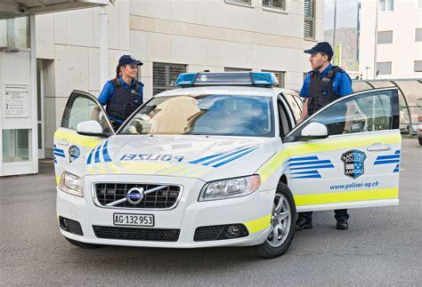 Sportwagenfahrer Ueber Die Polizei by Neue Fricktaler Zeitung Polizei Hatte Viel Zu Tun 252 Ber