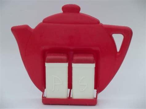 vintage red white plastic sp set wall rack range shakers  teapot