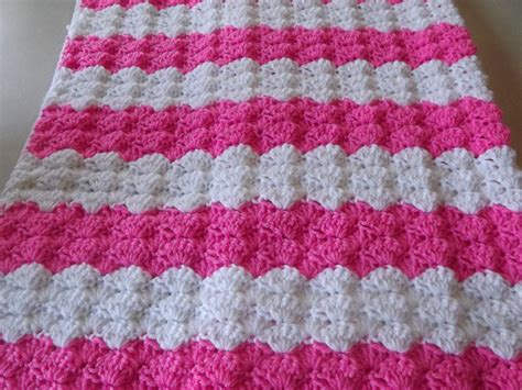 free crochet patterns for baby blankets crochet patterns galore pretty shells baby blanket