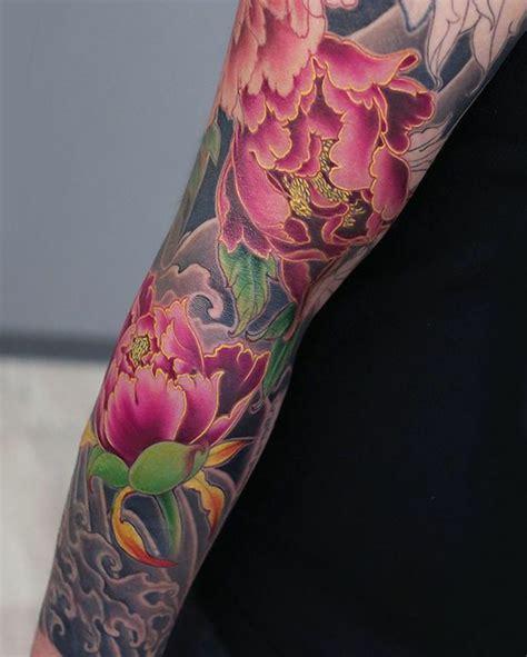 foto de Tatouage japonais fleur de pivoine 1jour1col