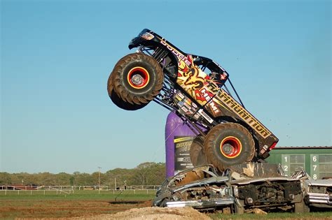 monster truck video for extreme monster truck nationals video