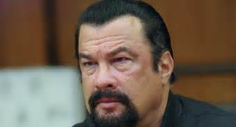Steven Seagal obtient la nationalit   serbe  Steven Seagal 2017 Movies