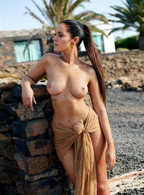 Promi Big Brother 7 Star Janine Pink Nude 17 Photos