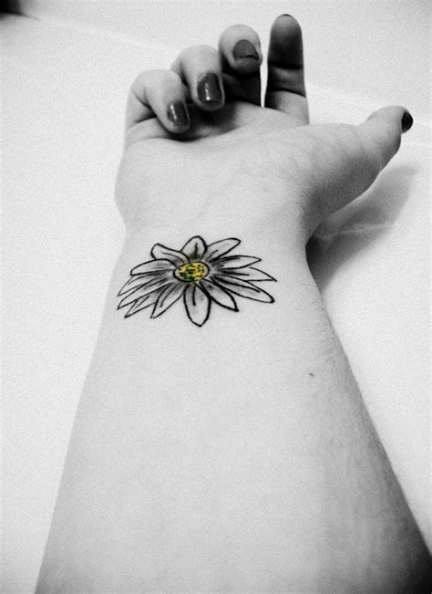 40+ Black And White Daisy Tattoos