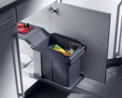 poubelle de cuisine encastrable 17 meilleures idées à propos de poubelle coulissante sur poubelle de bureau