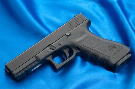 heres  glocks       guns   grid news
