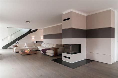 offene wohnzimmer mit stylischer treppe im raum wohnung offenes wohnzimmer