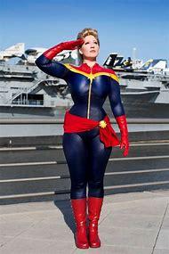 Female Captain Marvel Cosplay