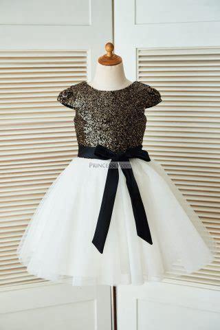 sophia trumpet key hole  lace bridal dress avivaly