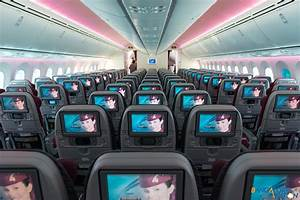 Through the lens: Onboard Qatar Airways' Boeing 787 ...