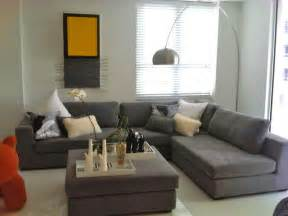 carlos modern sectional in grey 1639 contemporary