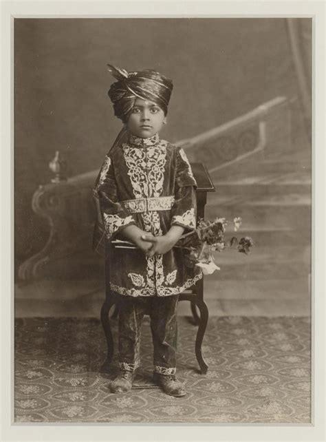 Le Prince Des Dragons La Nouvelle S 233 Rie D Heroic Quot Costumes D Enfants Quot Au Mus 233 E Guimet Nouvelle Feuille